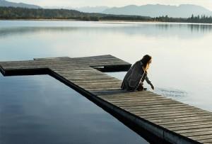 lake,calm,peace,tranquil,alone,beauty-f5319a4e6e2909ad833ae2b33f8bed2e_h